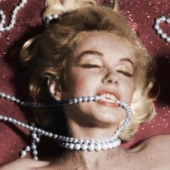 marilyn pearls